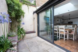onefinestay - South Kensington private homes III, Апартаменты  Лондон - big - 77