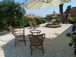 Pupi Catania Etna B&B, Bed & Breakfast  Aci Castello - big - 77