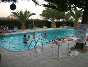 Rantzo Holiday Apartments, Апарт-отели  Писсури - big - 11