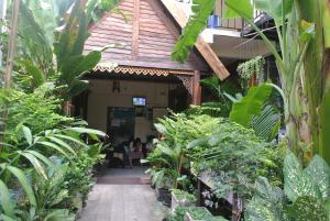 Eco House - Pom Prap