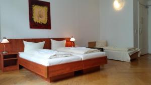 Hotel Pension KIMA (4 of 36)
