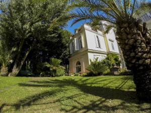 B&B Villa Ocsia, Bed and Breakfasts  San Giorgio a Cremano - big - 14
