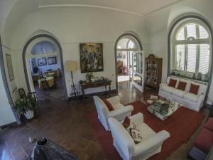 B&B Villa Ocsia, Bed and Breakfasts  San Giorgio a Cremano - big - 19