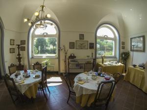 B&B Villa Ocsia, Bed and breakfasts  San Giorgio a Cremano - big - 37
