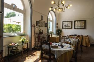 B&B Villa Ocsia, Bed and breakfasts  San Giorgio a Cremano - big - 47
