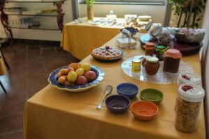 B&B Villa Ocsia, Bed and breakfasts  San Giorgio a Cremano - big - 40