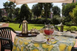 B&B Villa Ocsia, Bed and breakfasts  San Giorgio a Cremano - big - 39