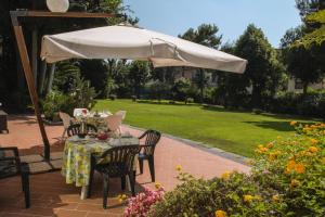 B&B Villa Ocsia, Bed and Breakfasts  San Giorgio a Cremano - big - 22