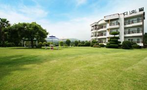 Jeju Dioville Pension, Дома для отпуска  Согвипхо - big - 51