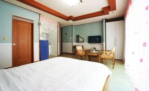 Jeju Dioville Pension, Дома для отпуска  Согвипхо - big - 55