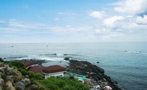 Jeju Dioville Pension, Дома для отпуска  Согвипхо - big - 57