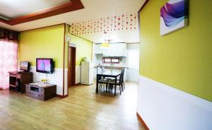 Jeju Dioville Pension, Дома для отпуска  Согвипхо - big - 59