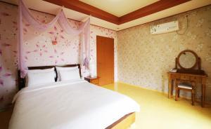 Jeju Dioville Pension, Дома для отпуска  Согвипхо - big - 60