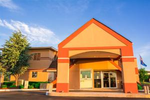 Howard Johnson by Wyndham Oklahoma City, Motely  Oklahoma City - big - 29