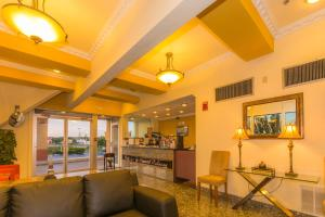Howard Johnson by Wyndham Oklahoma City, Motely  Oklahoma City - big - 19