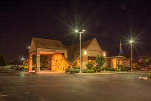 Howard Johnson by Wyndham Oklahoma City, Motely  Oklahoma City - big - 27