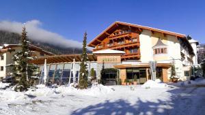 Ried im Oberinntal Hotels