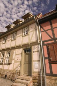 Urlaub im Fachwerk - Klink, Appartamenti  Quedlinburg - big - 45