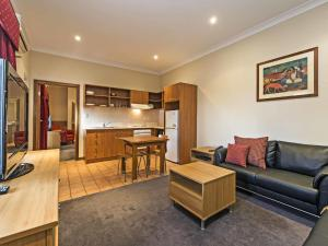 Comfort Inn & Suites Sombrero, Motel  Adelaide - big - 3