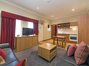 Comfort Inn & Suites Sombrero, Motel  Adelaide - big - 4