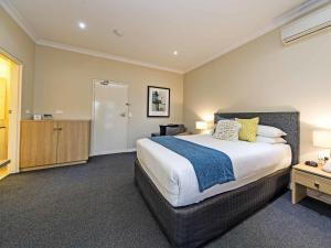 Comfort Inn & Suites Sombrero, Motel  Adelaide - big - 27