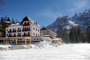 Hotel Croda Rossa - AbcAlberghi.com