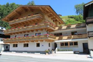 Pension Michael - Accommodation - Saalbach Hinterglemm