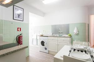 Travel and Tales Príncipe Real Apartments, Apartmanok  Lisszabon - big - 12