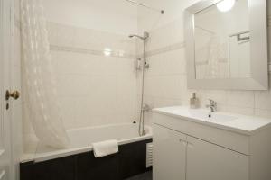 Travel and Tales Príncipe Real Apartments, Apartmanok  Lisszabon - big - 9