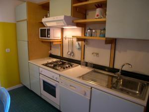Casa Carducci, Apartmanok  Grado - big - 5