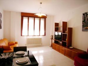 Casa Carducci, Apartmanok  Grado - big - 4