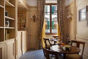 FH Hotel Calzaiuoli, Szállodák  Firenze - big - 22