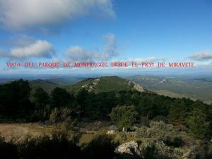 Los Montes, Venkovské domy  Casas de Miravete - big - 9