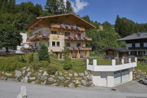 Pension Gabi - Accommodation - Saalbach Hinterglemm