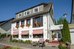 Haus Quentin - Hotel - Willingen-Upland