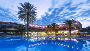 Cathrin Hotel, Фалираки