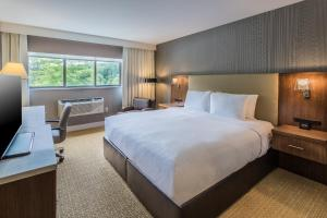DoubleTree by Hilton Nanuet, Отели  Нанует - big - 13