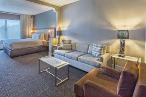 DoubleTree by Hilton Nanuet, Отели  Нанует - big - 8