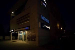 Motel Subaru - Warsaw