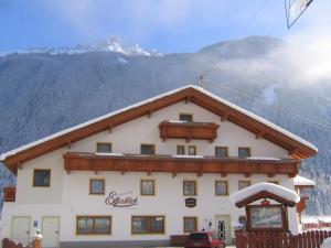 Alpenpension Elferblick - Hotel - Neustift im Stubaital