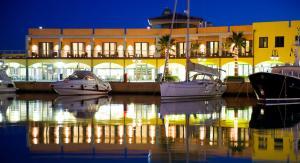 Marina Place Resort - Genoa