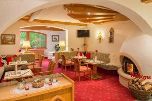Hotel Hubertushof - Ihr Hotel mit Herz, Hotely  Leutasch - big - 39