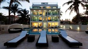Watermark Luxury Oceanfront Re..
