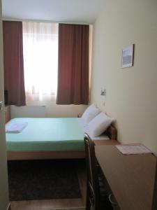 Double Room Garni hotel Alma