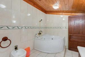 Bed & Breakfast La Giara, Отели типа «постель и завтрак»  Марко-Симоне - big - 49