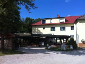 Gasthof zur Grenze, Hotels  Pöttsching - big - 7