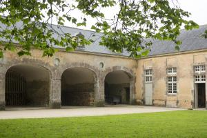 Chateau De Pont-Rilly