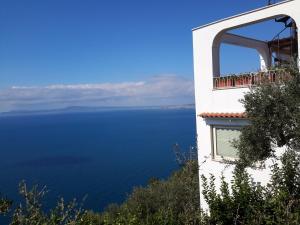 Villa ambrosio B&B - AbcAlberghi.com