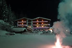 Hotel Hubertushof - Ihr Hotel mit Herz, Hotely  Leutasch - big - 14