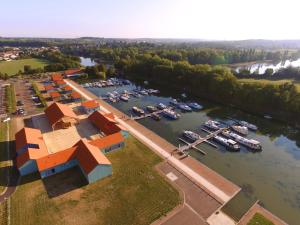 . Le Port de Decize